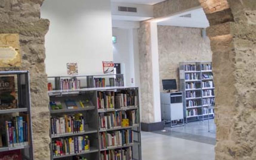 A La Médiathèque communautaire de Biot :