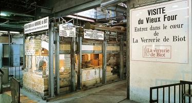 Visit of the Ecomuseum of Glass